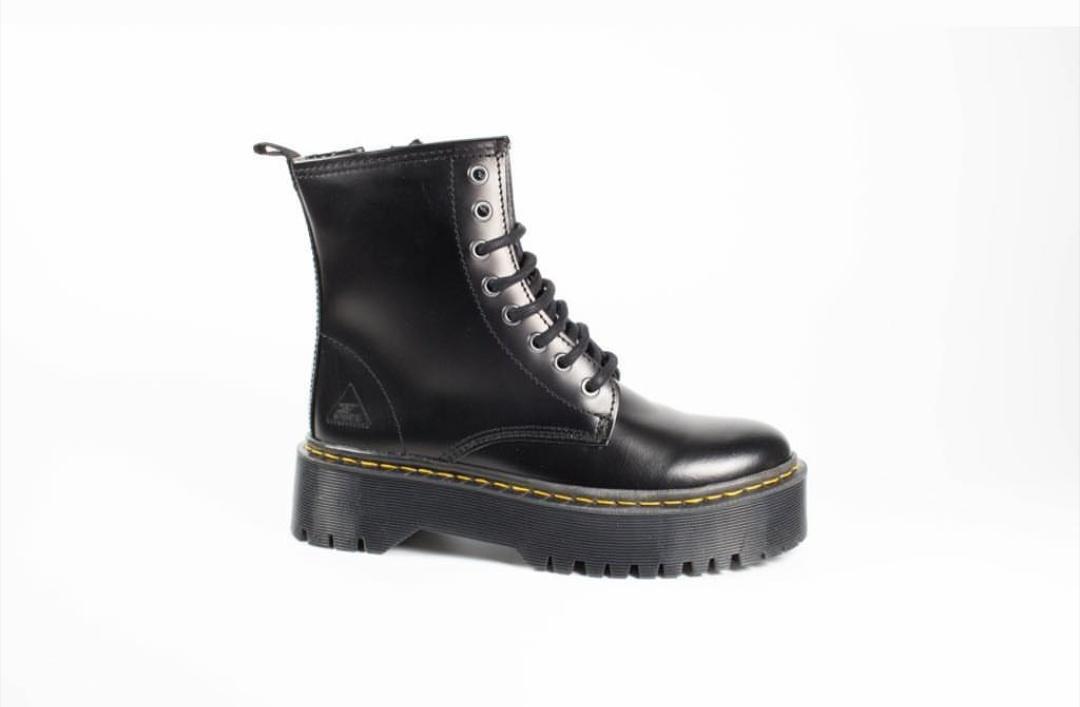 Snipe bota martens negra modelo 001